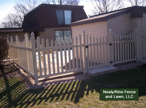 Vinyl Fences Installed By Nealy Rine Fence And Lawn Llc